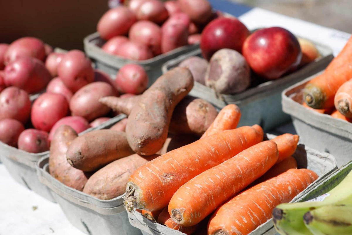 Clinton Bailey Farmers Market (copy) root vegetables