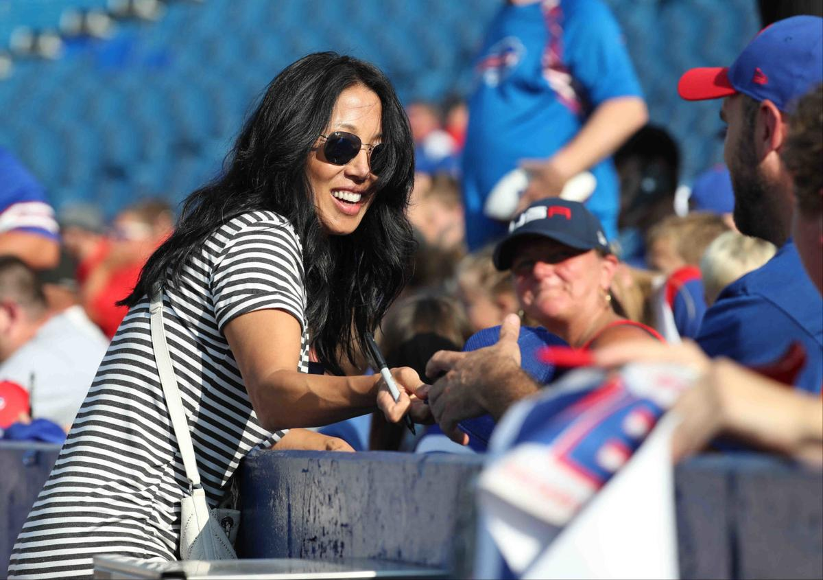 1013356961 McCoy Sports Bills Kim Pegula