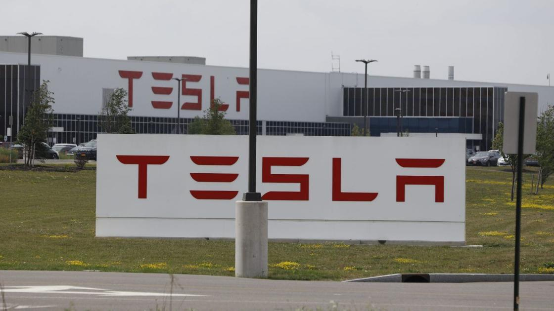 Tesla S Buffalo Plant Gets 884 Million Write Down Business Local Buffalonews Com