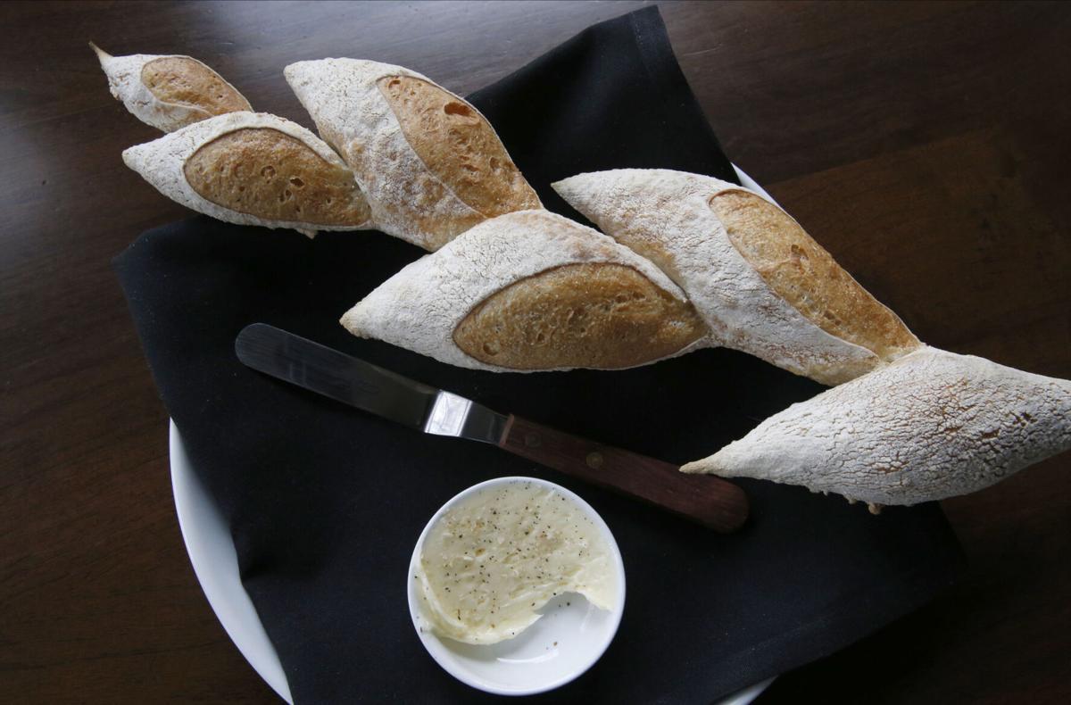 Inizio's pain d'epi bread service