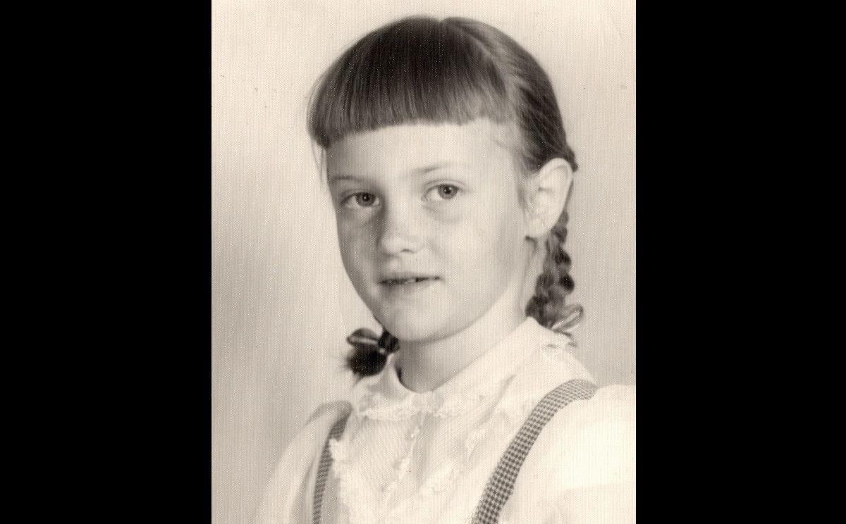 Ann Fossler as girl black sides