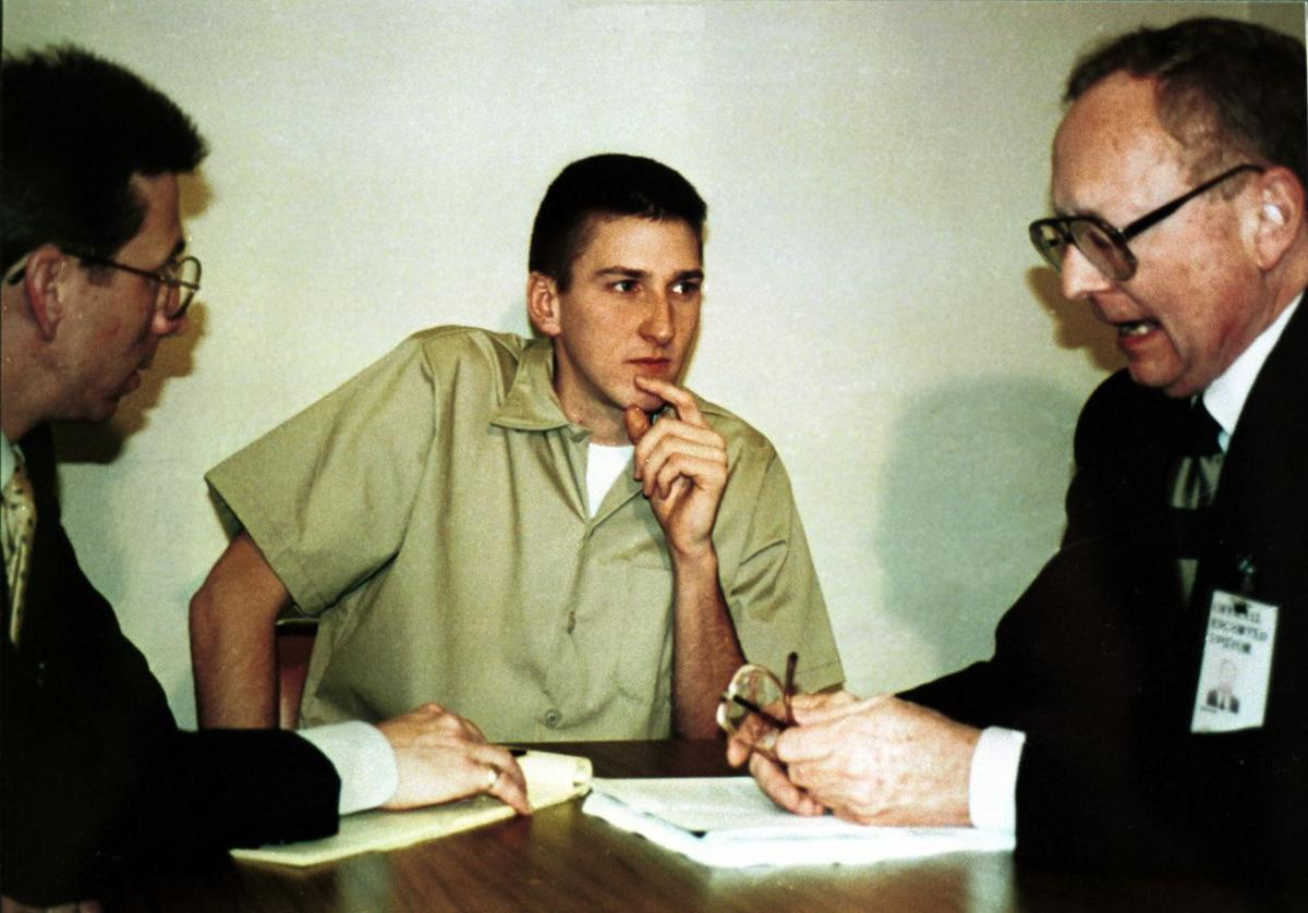 Timothy McVeigh At Courthouse