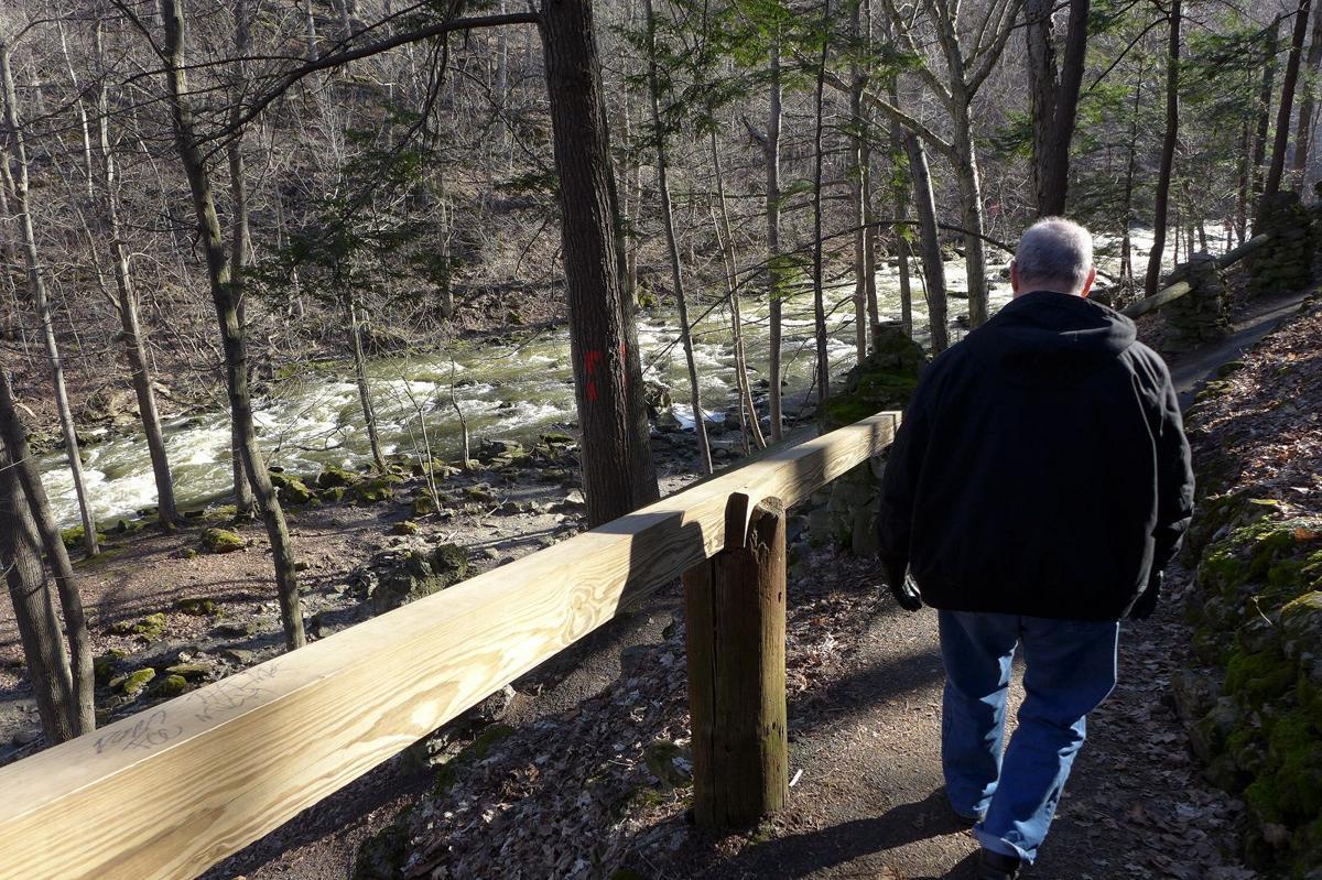 Akron Falls Park hiking