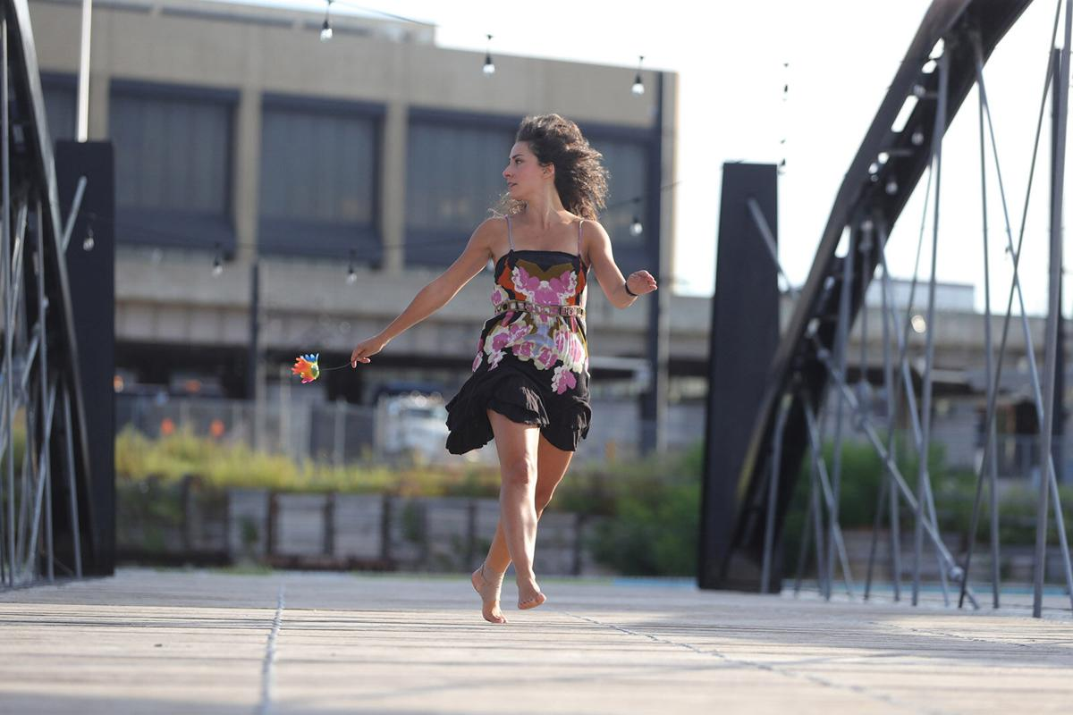 Gusto Alleyway Theater/Niagara Square Hickey dancer