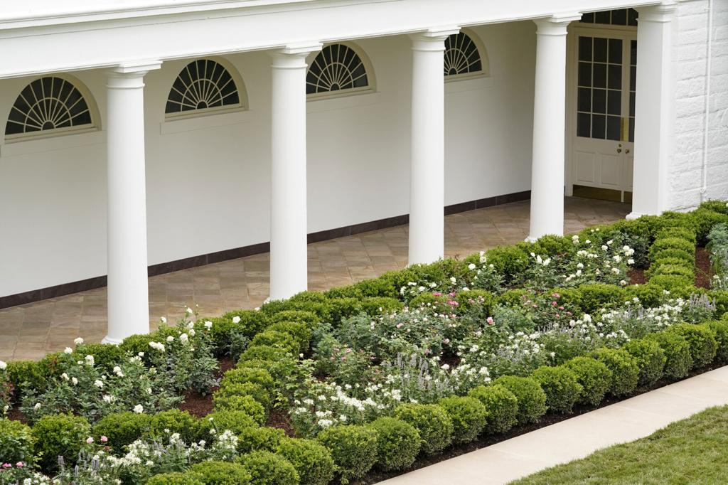 Photos An Up Close Look At The Newly Renovated White House Rose Garden National News Buffalonews Com