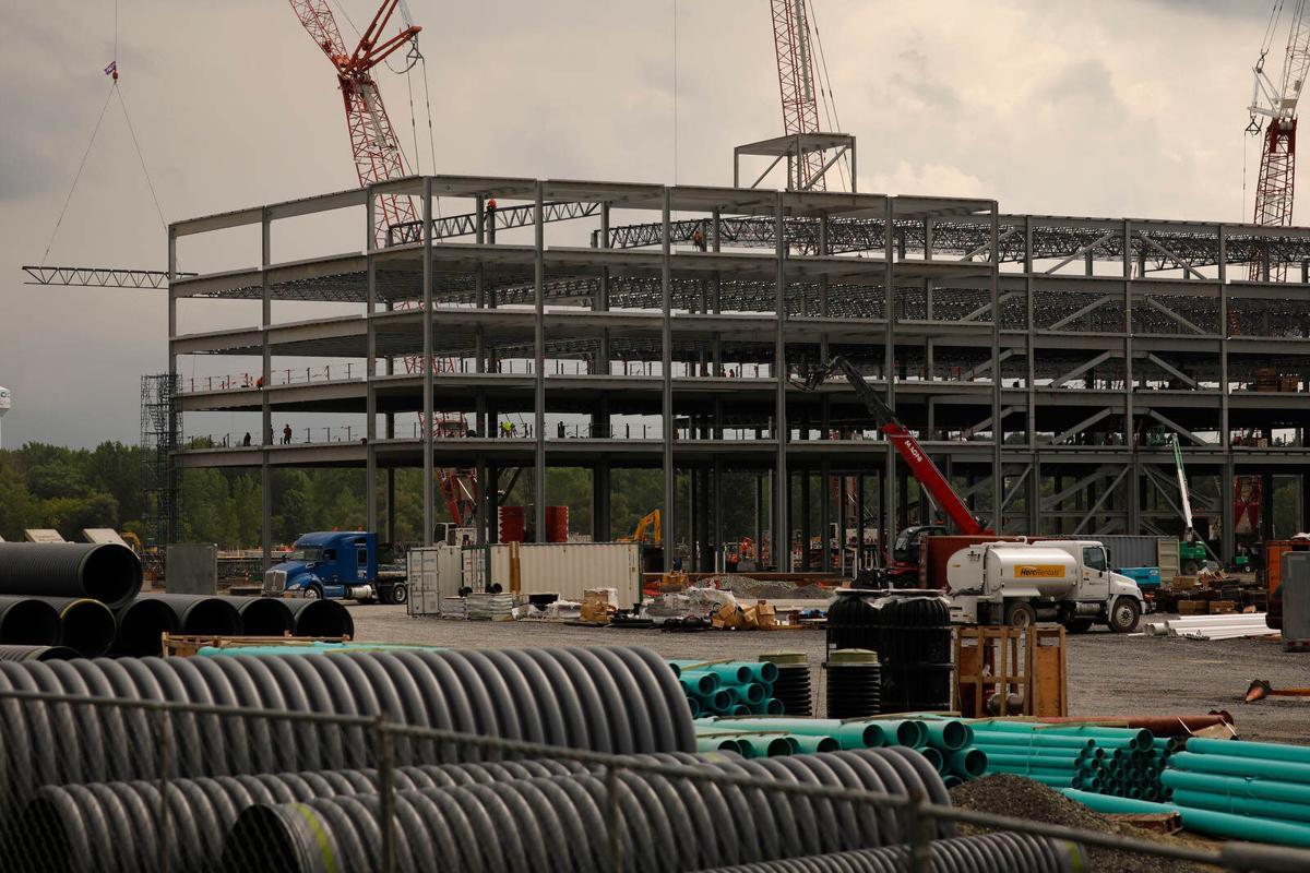 Syracuse Amazon site construction