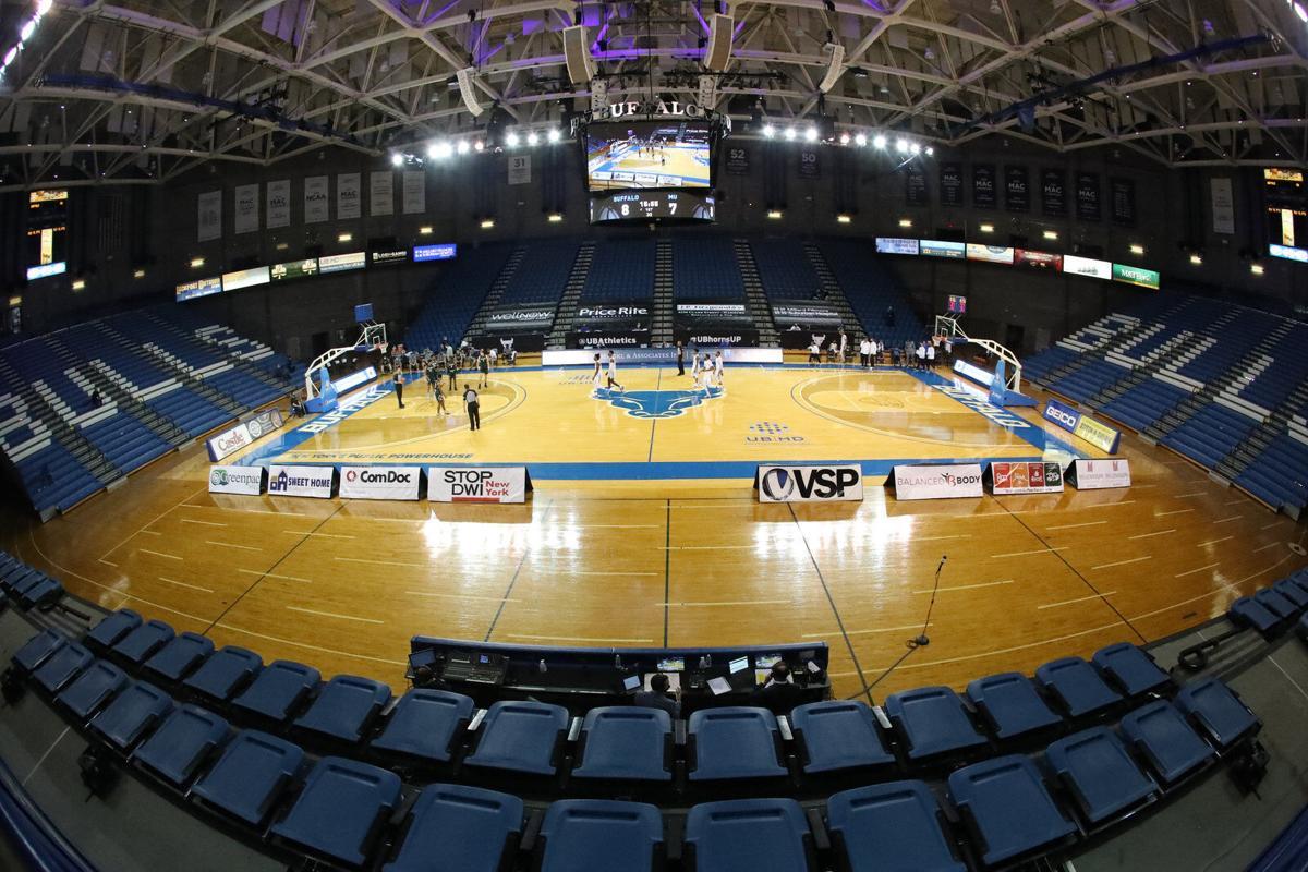 Ub Men S Basketball Routs Mercyhurst Without Head Coach On The Bench Buffalo Sports Buffalonews Com
