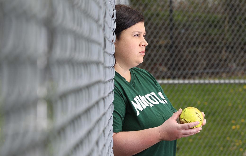 Senior-Spotlight-COVID-19-Pandemic-High-School-Sports-Scull-Nichols-Softball-Molly-Gasuik