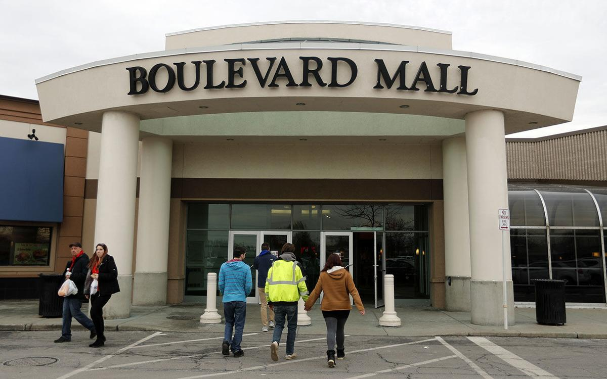 LOCAL Holiday Shopping at the Boulevard Mall