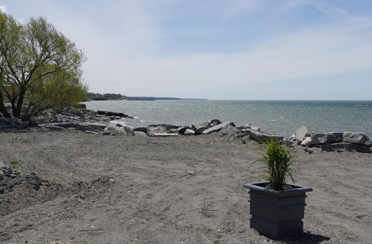 Lago 210 beach area