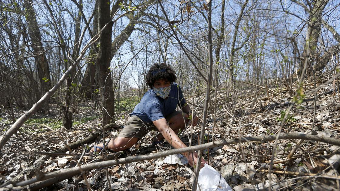 Sean Kirst: For Earth Day, cleaning up parks polluted with pandemic-related litter