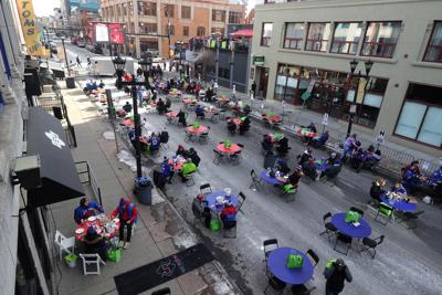 'Playoffs on the Patio' dining curfew remains