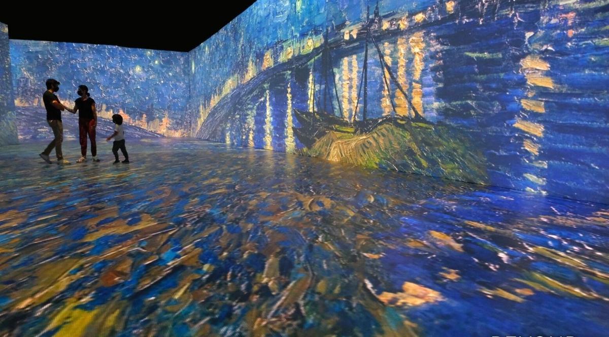 Beyond Van Gogh Starry_Night_Rhone_Logo_PR
