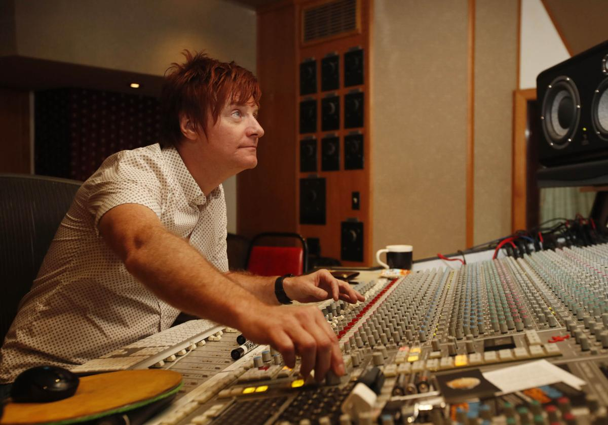 FEATURES recording with Ron Hawkins CANTILLON