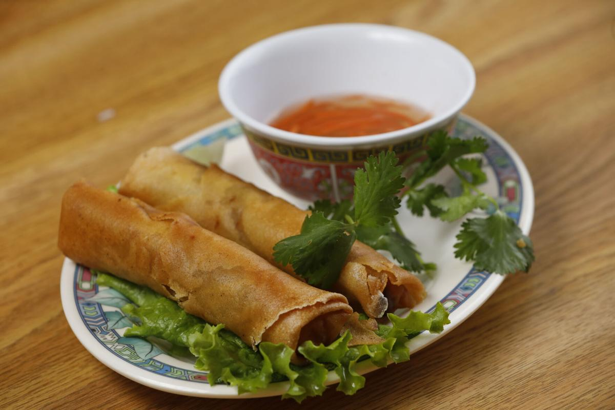 99 Fast Food's Vietnamese egg roll