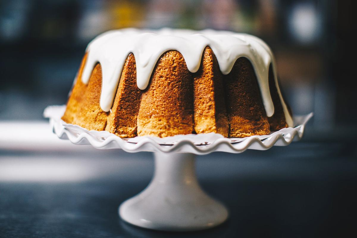 Cake-Crazy-7up-pound-cake.jpg