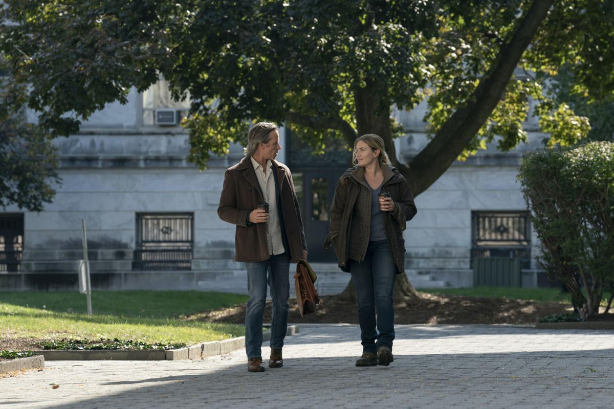 """Guy Pearce, left, and Kate Winslet in HBO's """"Mare of Easttown."""" (copy)"""