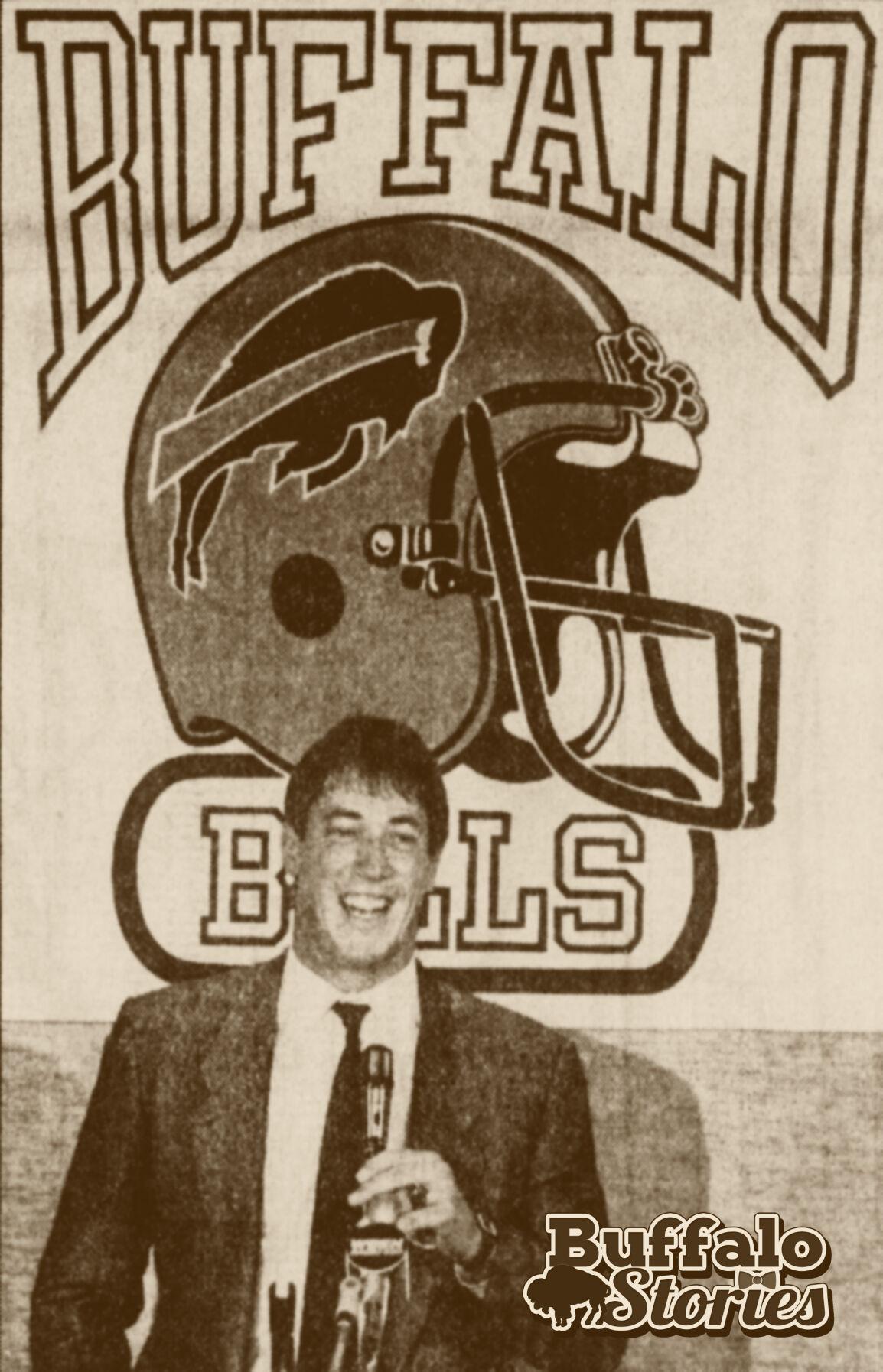 kelly at podium 1986.jpg