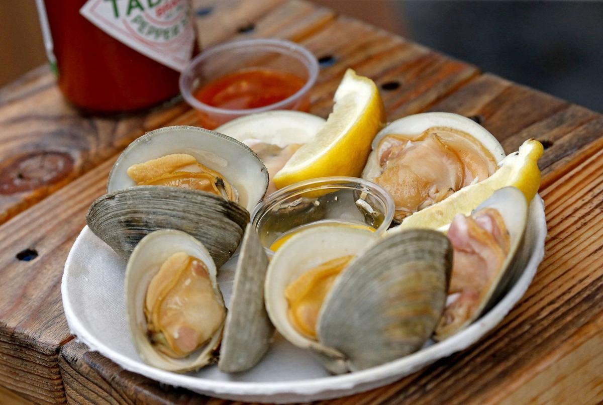 Old Man River half-dozen clams