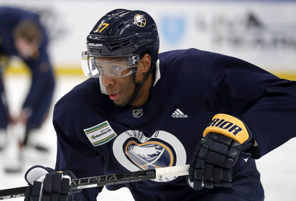 Former Sabres On The Move Wayne Simmonds Signs With Maple Leafs Buffalo Sabres News Buffalonews Com