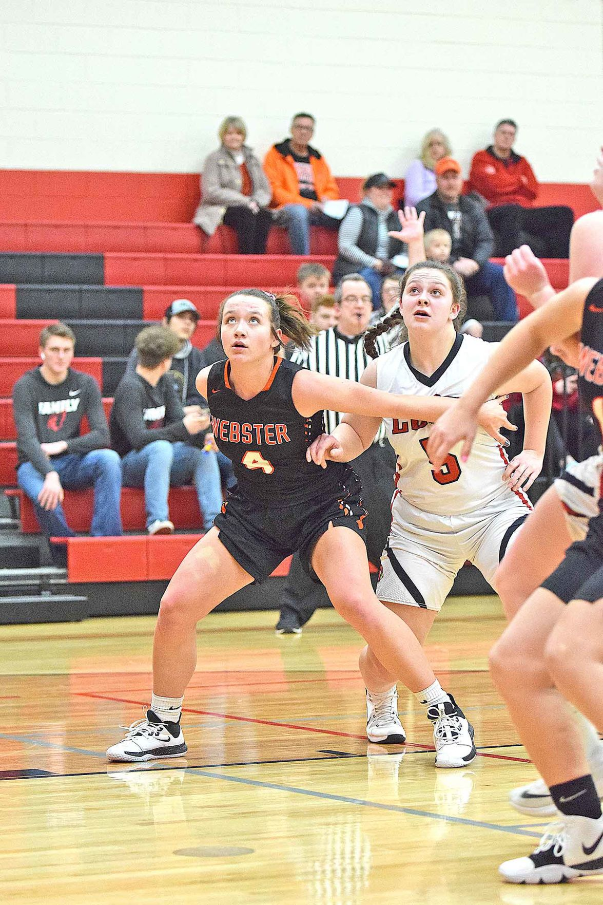 GBB-2-Hannah-Janssen-boxing-out-McKenna-Delany-WEB.jpg