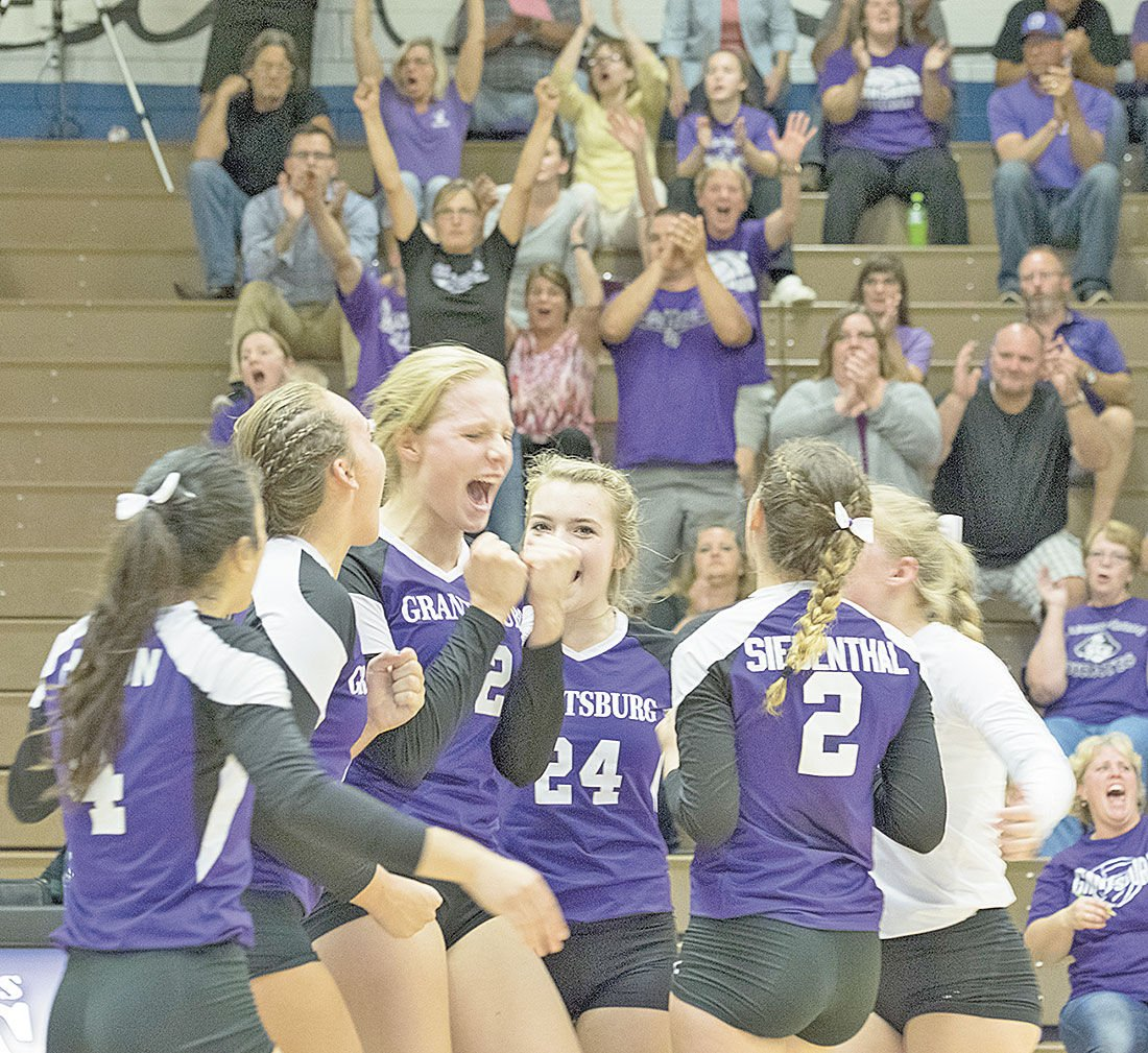 Pirates hang on to defeat Saints, 3-2