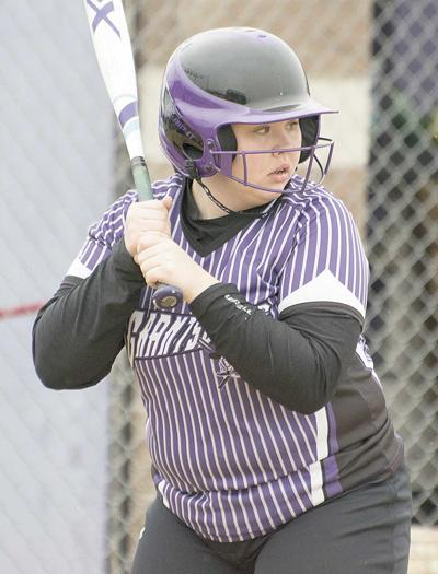 Hecht hits grand slam in win over Eagles