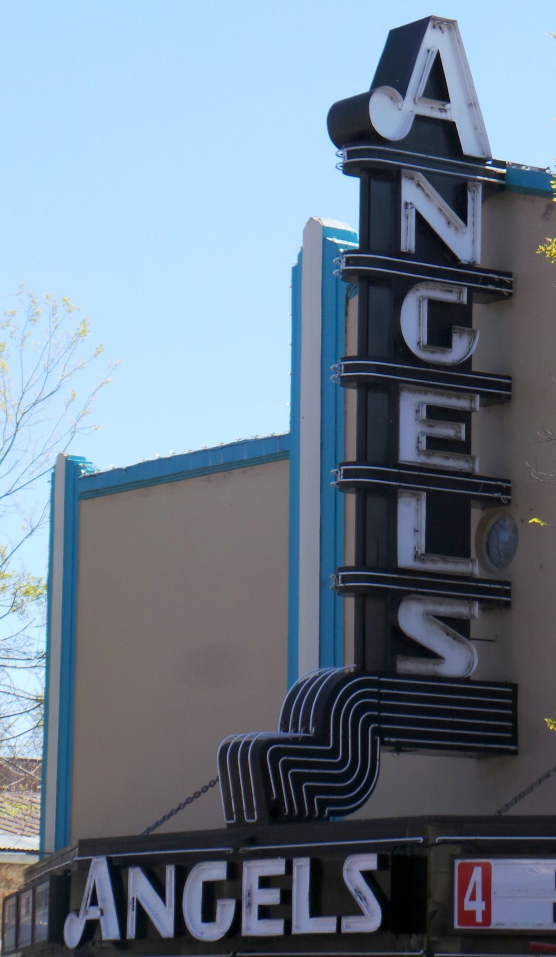 Angels Camp Theatre still celebrates movies | Business