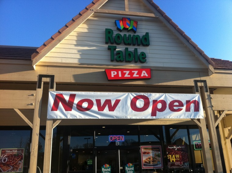 New Pizzeria Owners Make Community A Top Priority Business - Round table pizza corporate