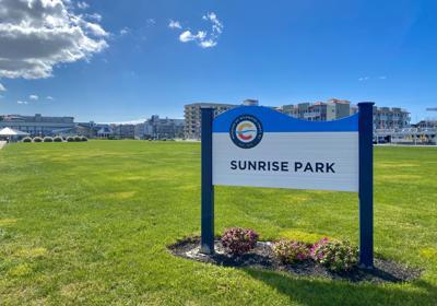 Sunrise Park sign.jpg