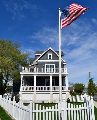 Four Fast Facts about Vinyl Fence & Railing