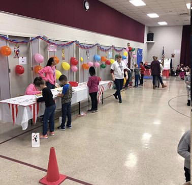 Glenwood Elementary School Students Mark 100th Day
