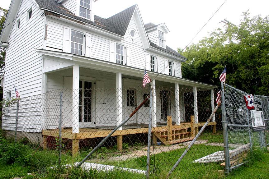 Tubman Museum Howell House.jpg