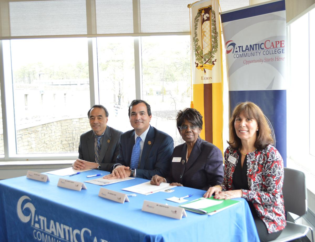 Sign Articulation Agreement For Engineering Program Schools