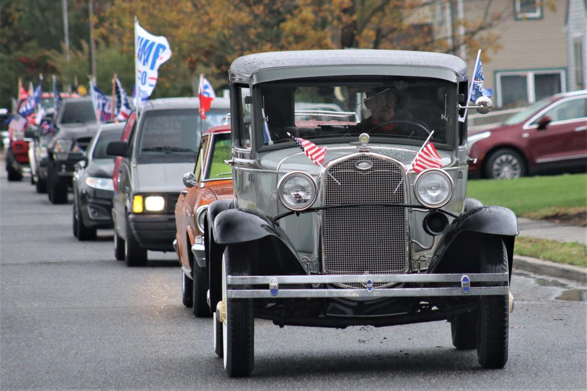 USE THIS ONE. Trump car parade MT (15).jpg