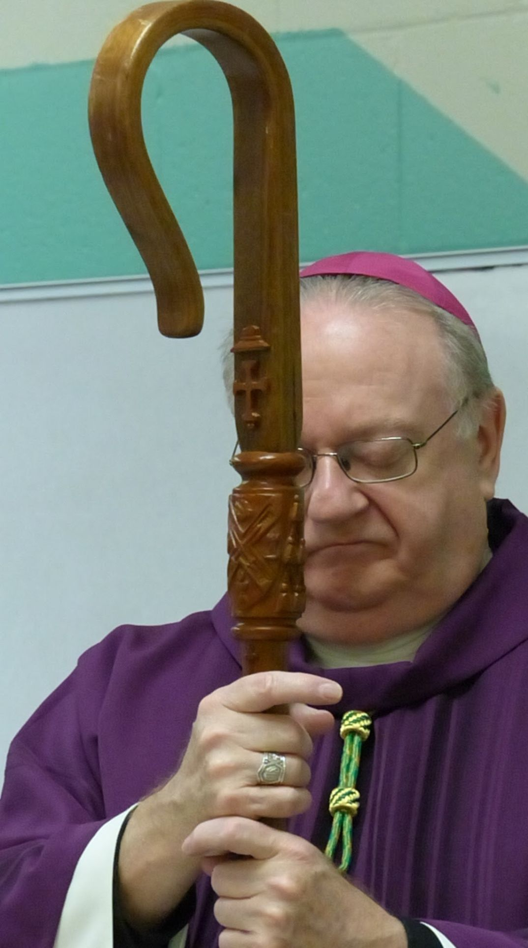 Bishop Celebrates Mass For County Jail Inmates | Religion