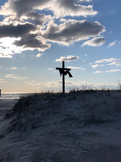 Vets Raise Seaside Cross