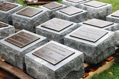 mashpee memorial stones 090320-02