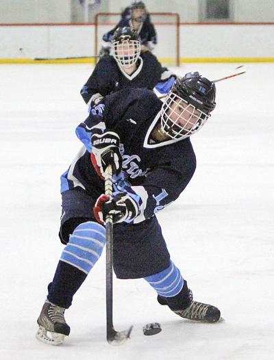 Sandwich Girls Hockey - December 26: Lilly Tobin