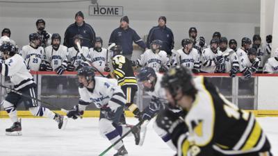 Sandwich Boys' Hockey vs Nauset — January 8, 2020