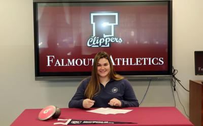 Chorches Signs With UNH