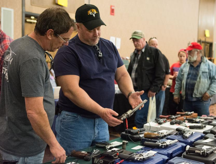 Gun collectors and enthusiasts gather at Pierre gun show