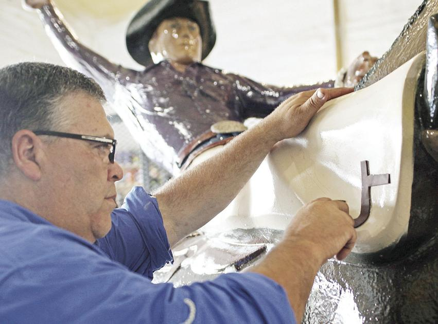 Casey Tibbs bucking-horse statue soon to be back on its Fort Pierre pedestal