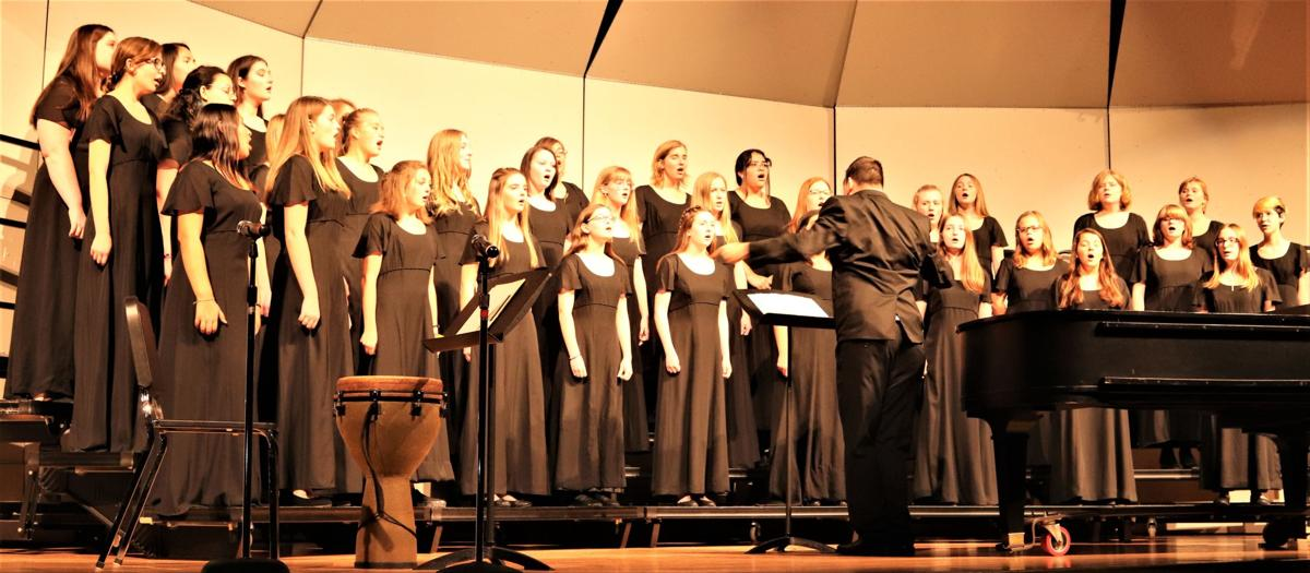 """""""Let All the World Sing…"""" concert a formal hit"""