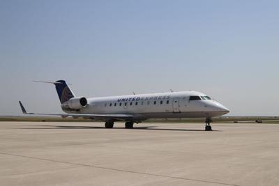 SkyWest/United plane
