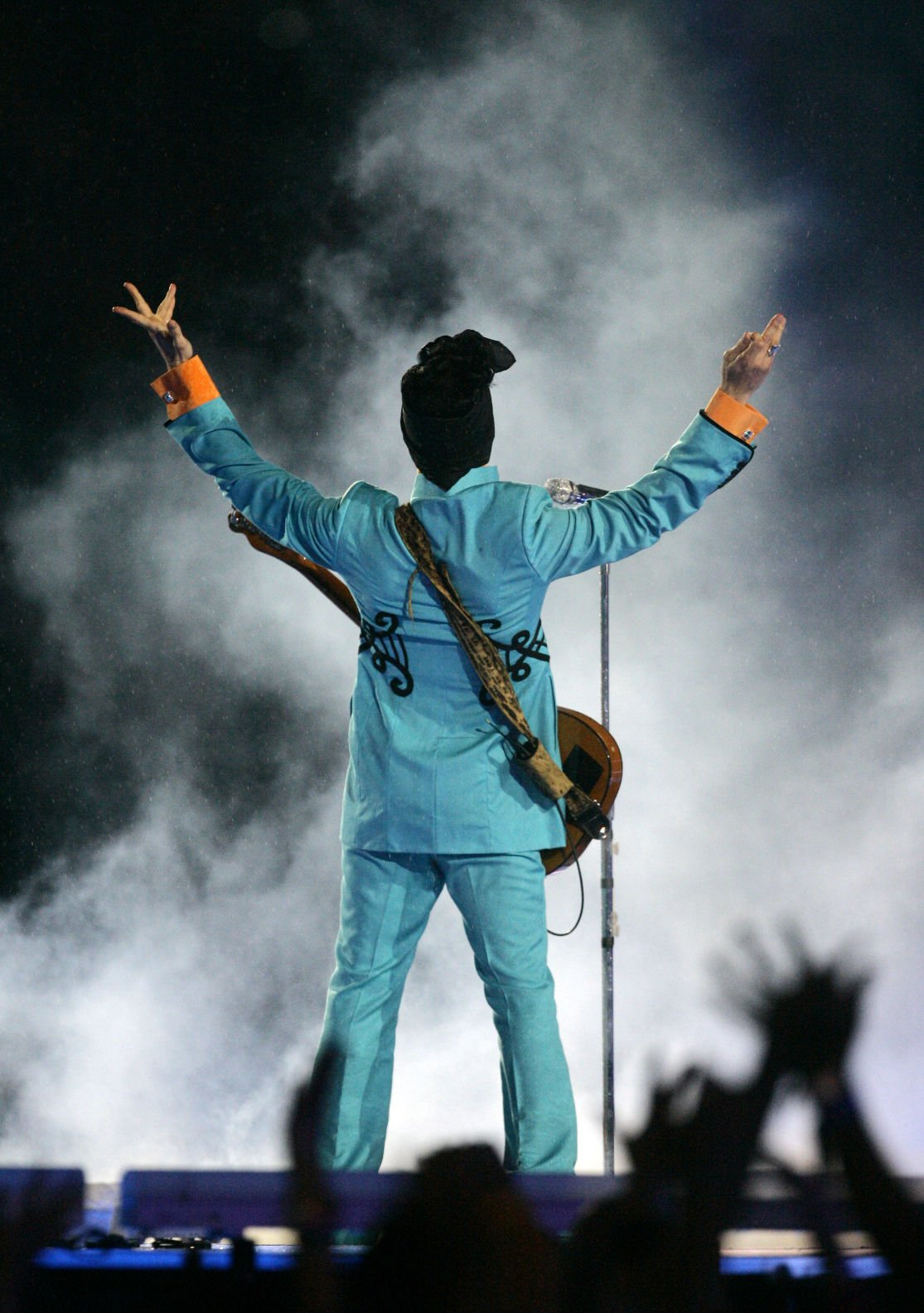 Doves crysuperstar prince dies at his minnesota home local news 4 2007 file photo prince performs during the halftime show at super bowl xli at dolphin stadium in miami princes publicist has confirmed that prince malvernweather Choice Image