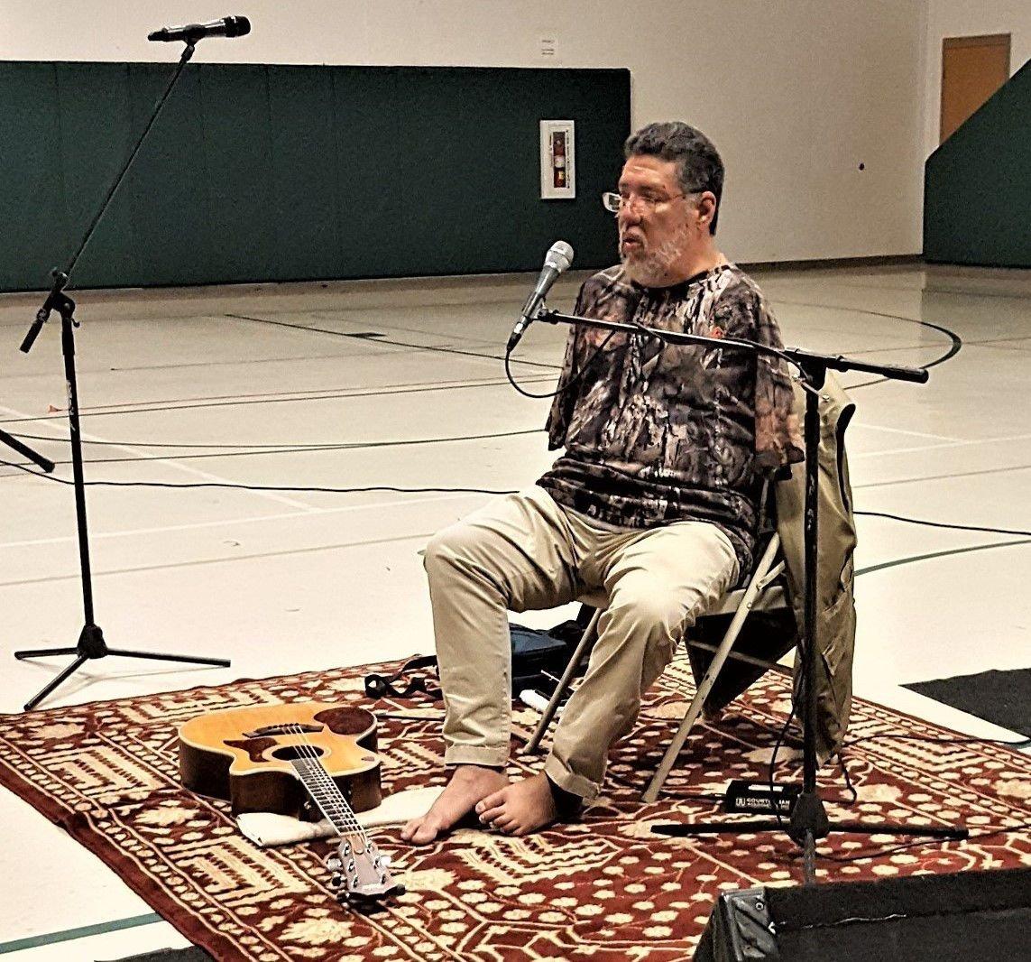 Tony Melendez, armless guitarist, to perform free concert Oct. 24
