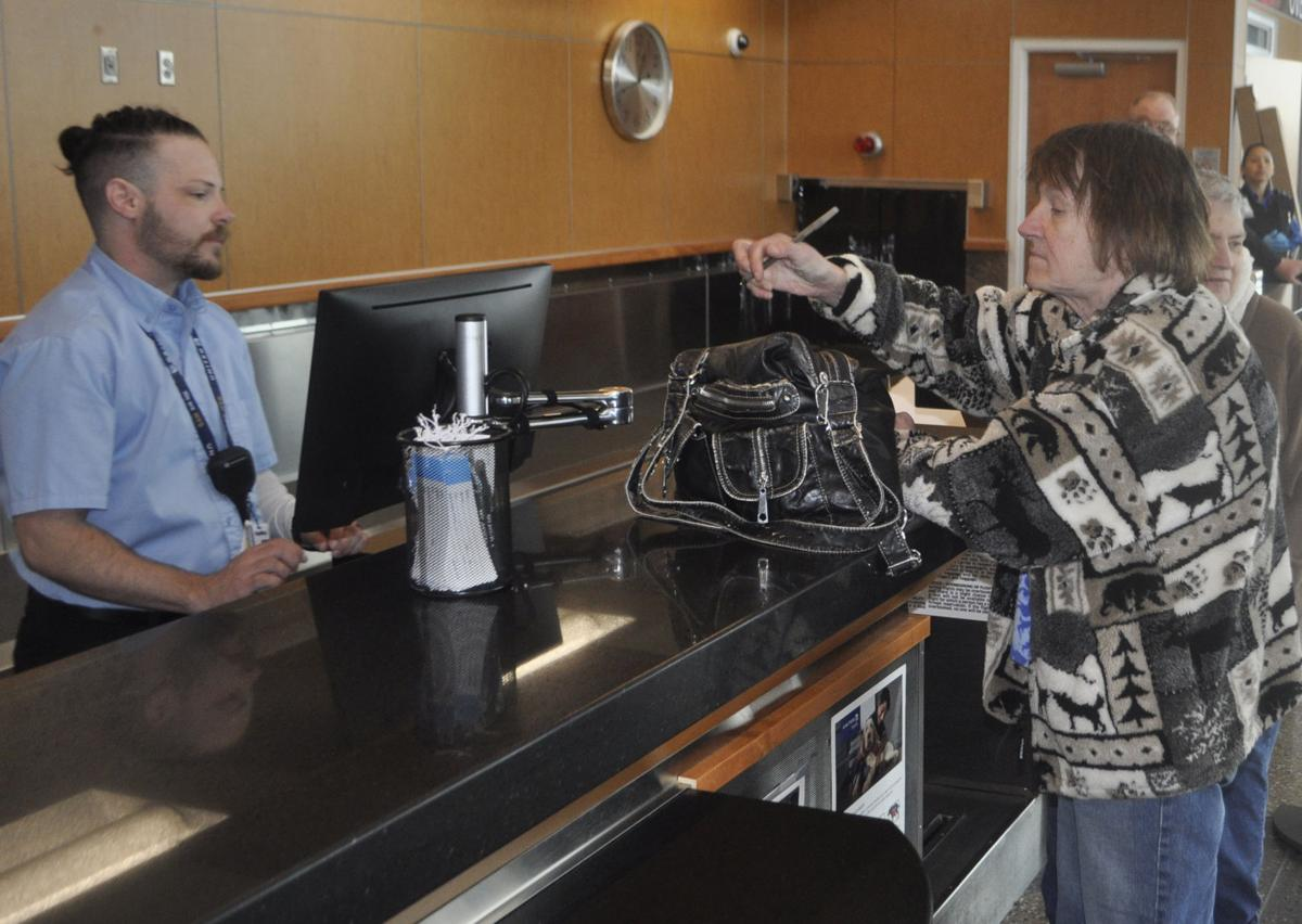 SkyWest/United touches down in Pierre | Local News Stories