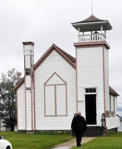 Pie social by Oahe Chapel Preservation Society an annual hit