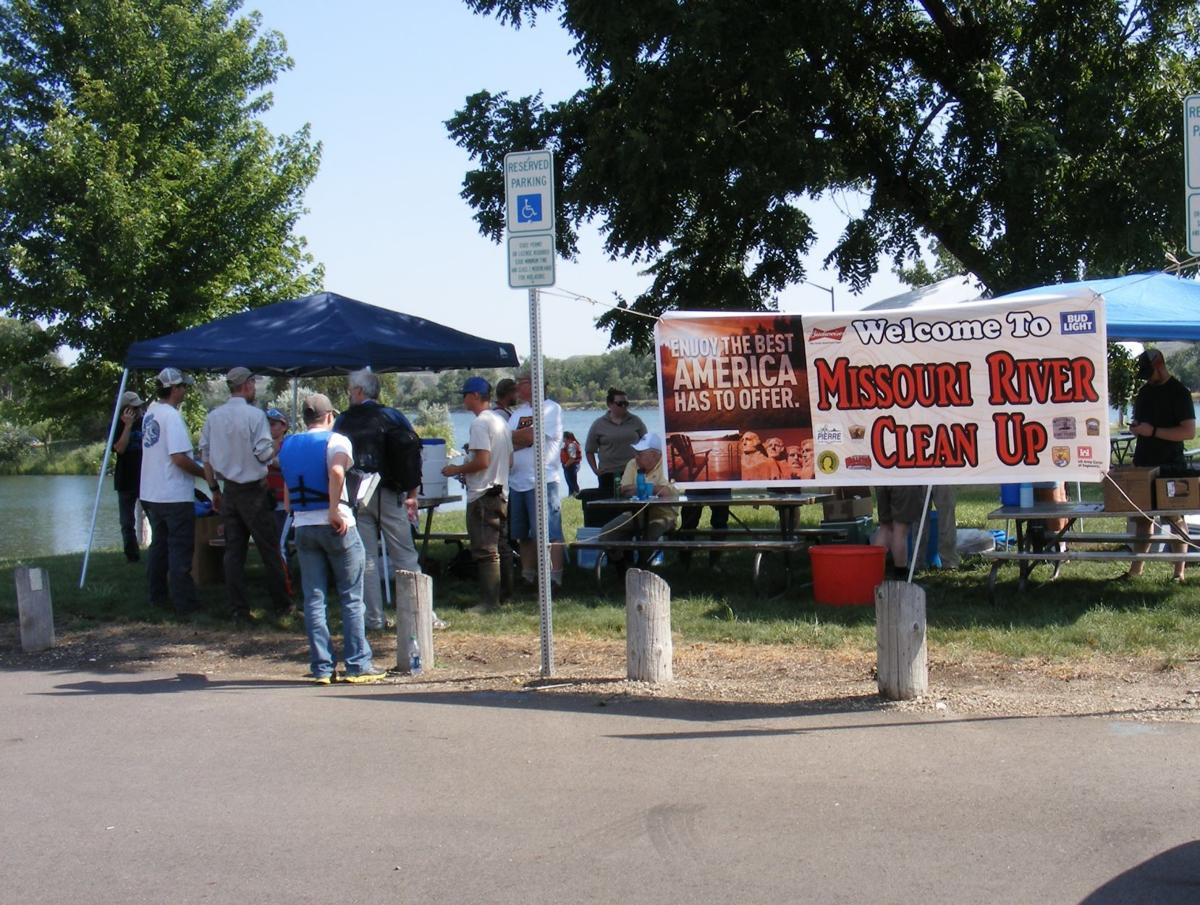 Volunteer to clean up Missouri River & Lake Sharpe areas, free picnic meal